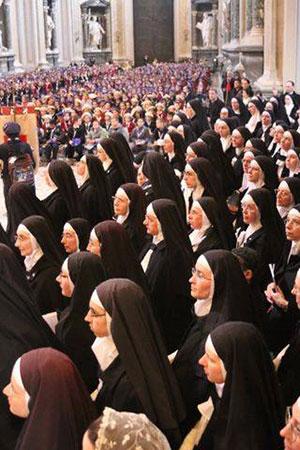 suore e ragazze in Laterano