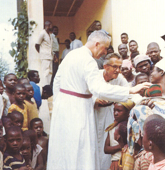 Mons. Lefebvre missionario in Angola