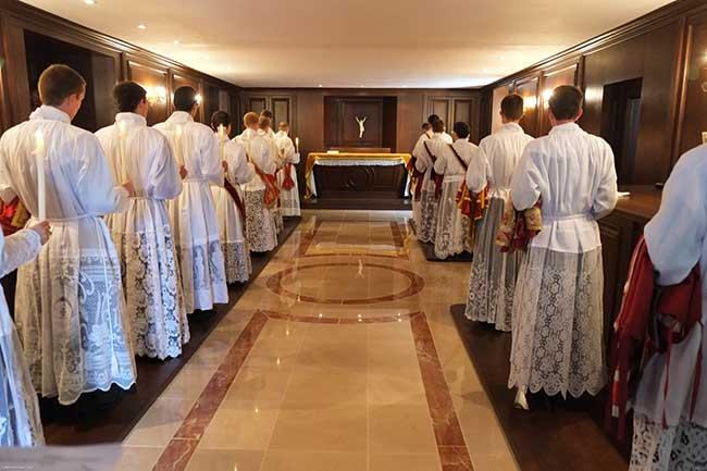 ordinandi in sacrestia